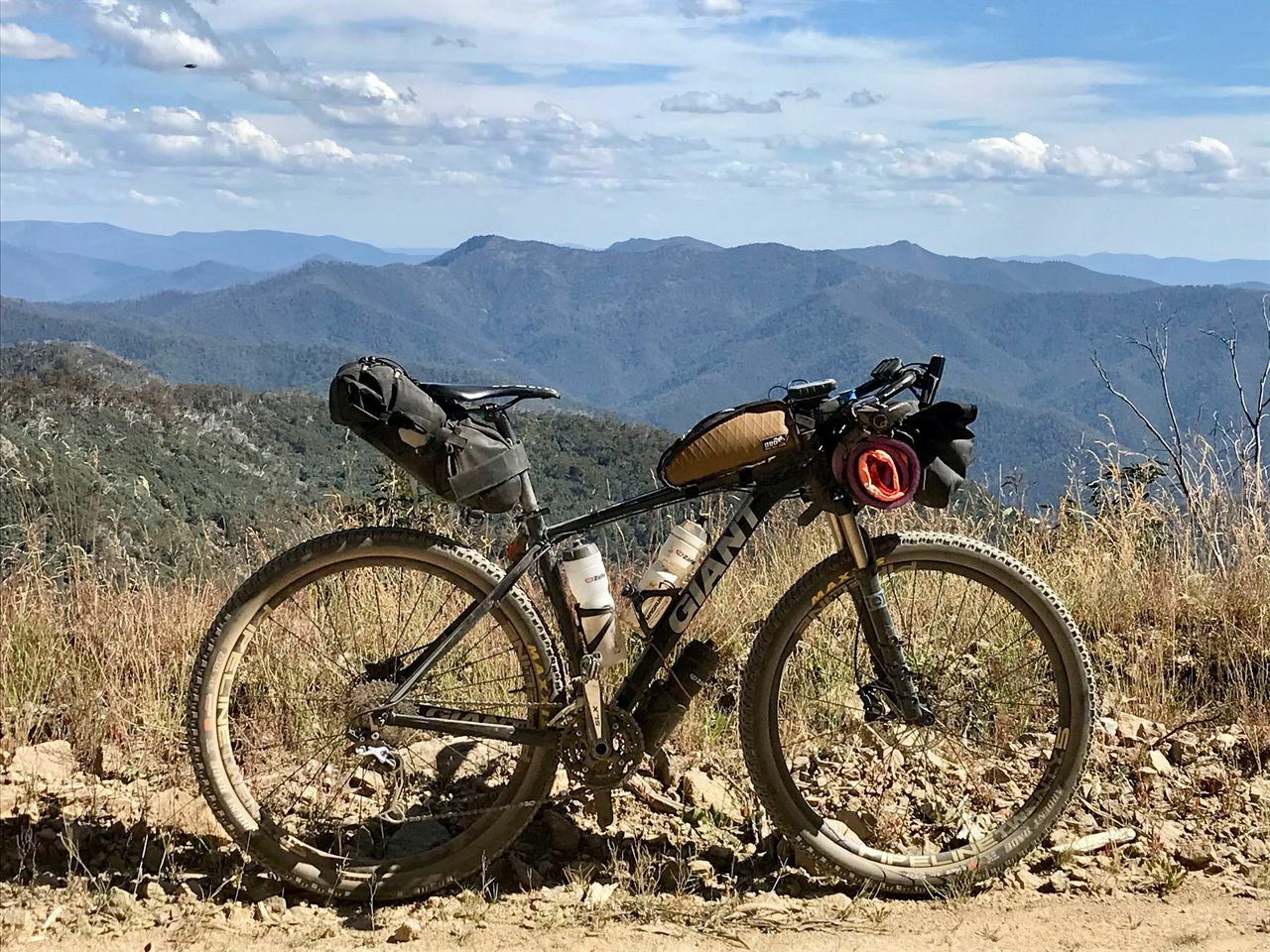 Bikepacking bike of the Victoria divide 550
