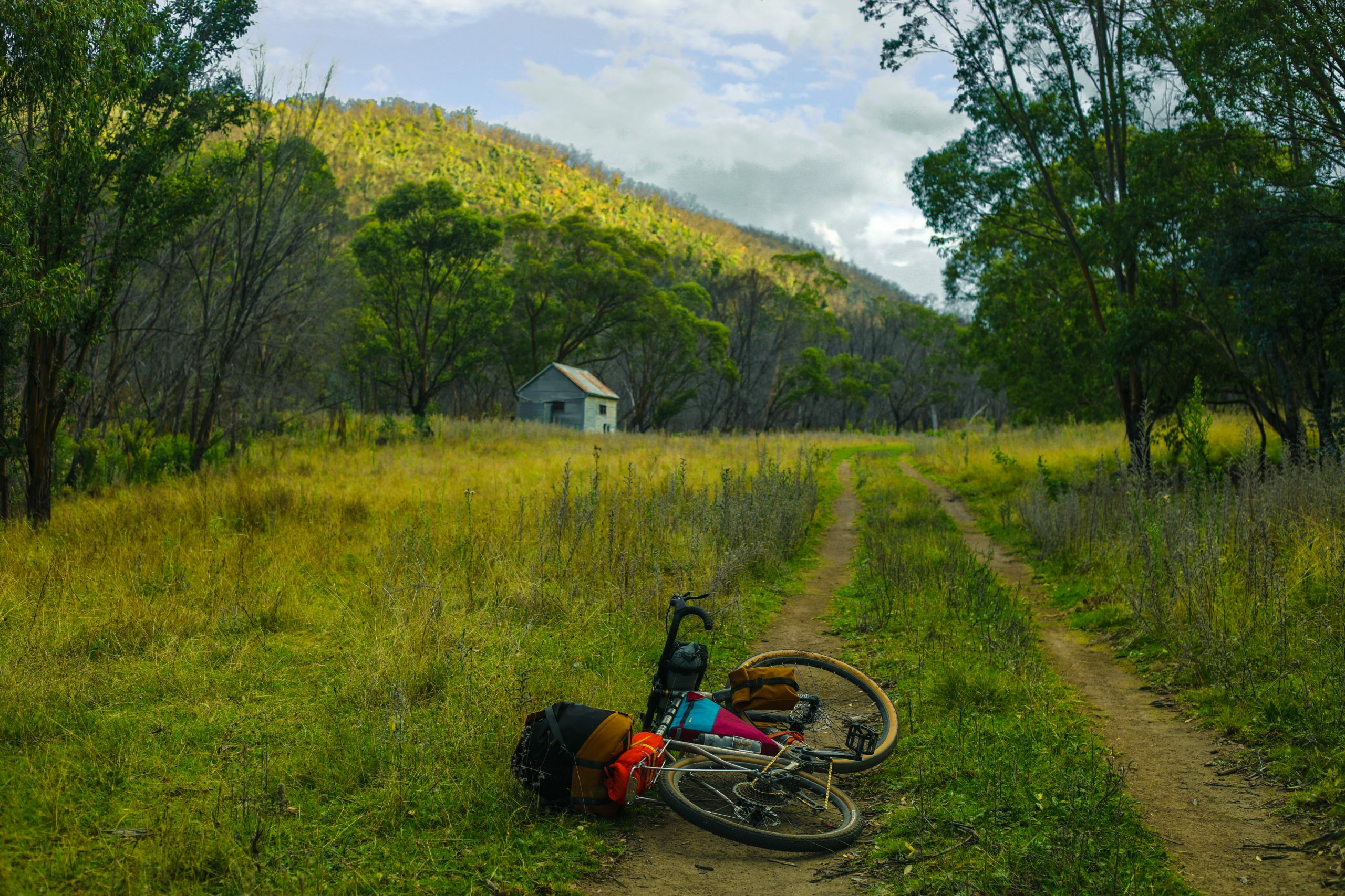 Arriving at Horse Gully Hut for the Swift Campout