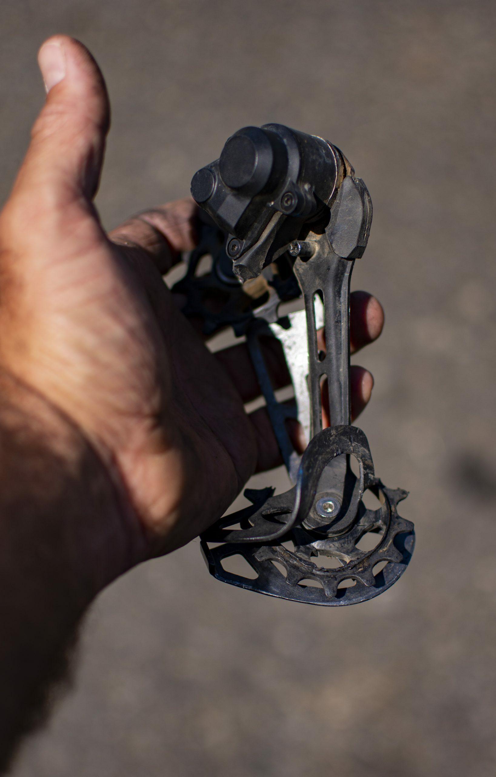 Broken derailleur hanger while Bikepacking